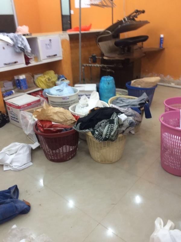 بلدية قوز الجعافرة تصادر مواد غذائية (1)