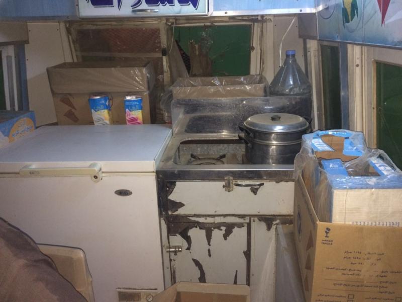 بلدية قوز الجعافرة تصادر مواد غذائية (270642054) 