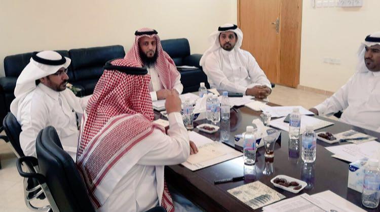 بلدي بيشة يستعرض المشاريع والاستثمار في البلدية (3)