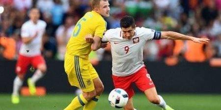 بولندا تفوز على أوكرانيا