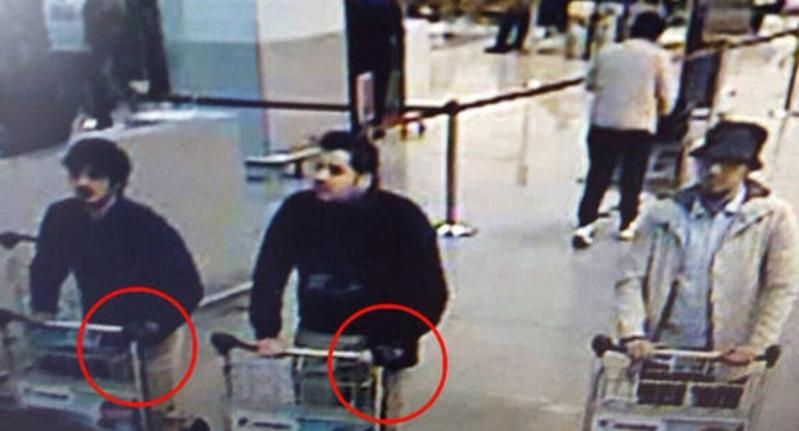 تحديد هوية انتحاري مطار بروكسل
