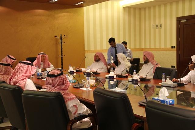 تحفيظ الرياض تبحث سبل التعاون مع جامعة اليمامة (2)