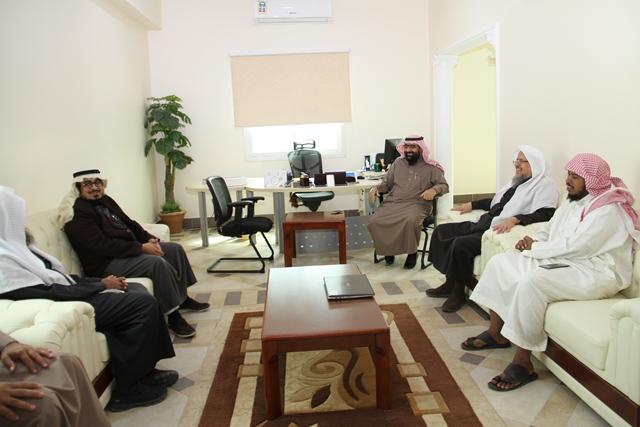تحفيظ الرياض ومؤسسة سليمان الراجحي الخيرية تبحثان سبل تطوير الشراكة بينهما (1)