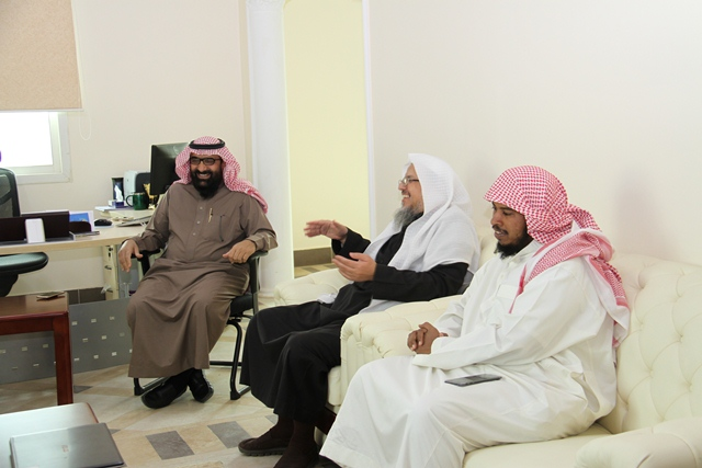 تحفيظ الرياض ومؤسسة سليمان الراجحي الخيرية تبحثان سبل تطوير الشراكة بينهما (2)