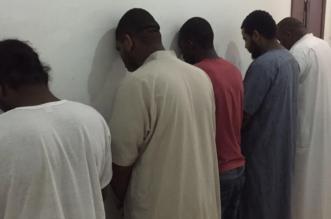 تحليل ودراسة أسلوب العمليات يقود لضبط عصابة خماسية تسرق مارة الرياض بالعنف 1