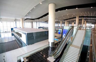 تدشين الصالة الخامسة بمطار الملك خالد والرحلات (206965133) 