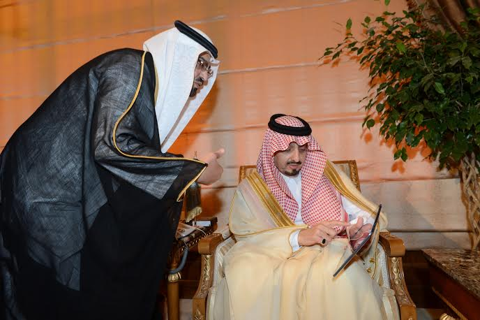 تحمل اسم #الملك_سلمان .. أمير #عسير يدشن أول مدرسة افتراضية بالمملكة