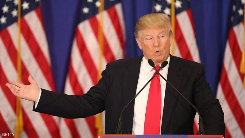 ترامب يفوز في ولايتين.. وكلنتون تخسر ميشيغن
