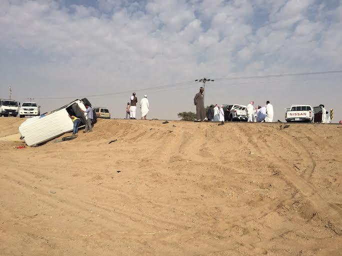 """مصرع 3 مواطنين وإصابة 8 آخرين في حادث سير بطريق """"حضن ـ تربة"""" - المواطن"""