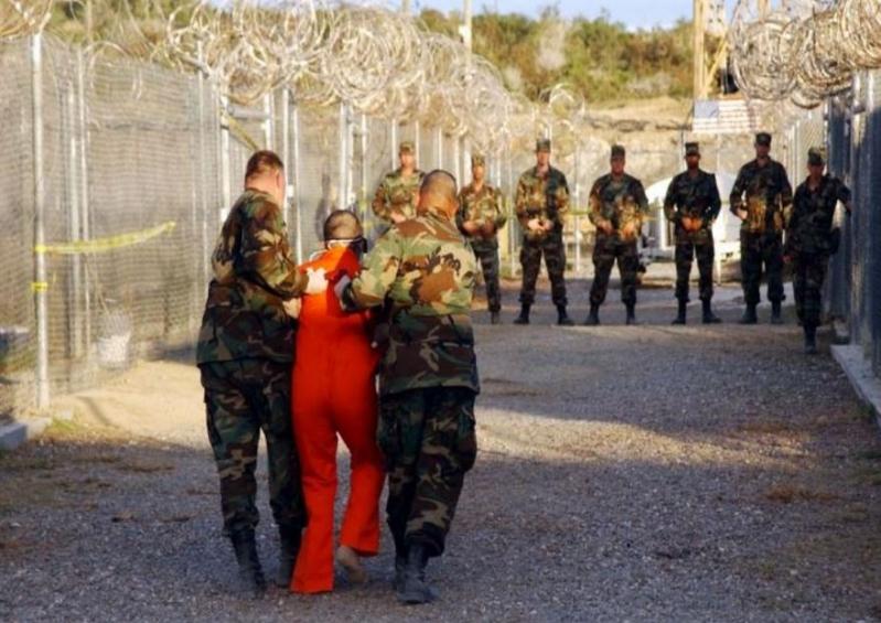 ترحيل 15 معتقلا من غوانتانامو الى الإمارات