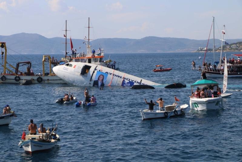 تركيا تغرق طائرة ايرباص (3)