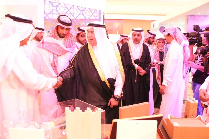 تركي بن سعود يفتتح #معرض_الرياض_للإعلام الـ7 ويكرّم #كريم و #النجعي (5)