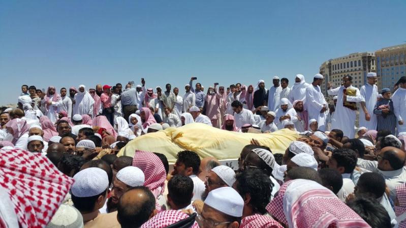 تزاحم تشييع جثمان الشيخ ايوب (12)