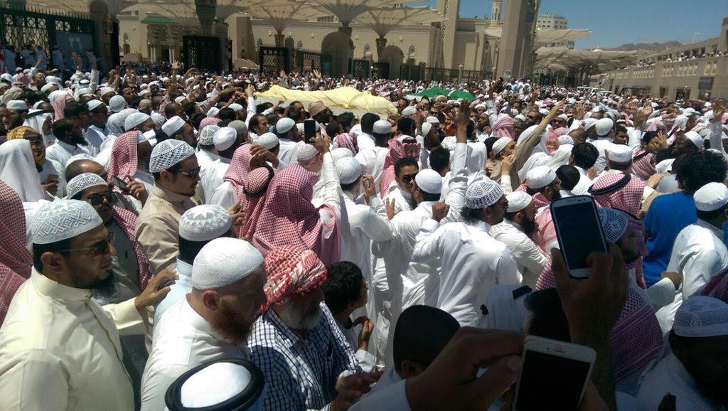 تزاحم تشييع جثمان الشيخ ايوب (14)