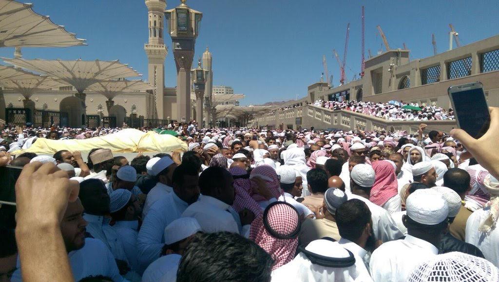 تزاحم تشييع جثمان الشيخ ايوب (15)