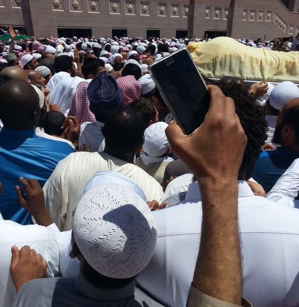 تزاحم تشييع جثمان الشيخ ايوب (19)