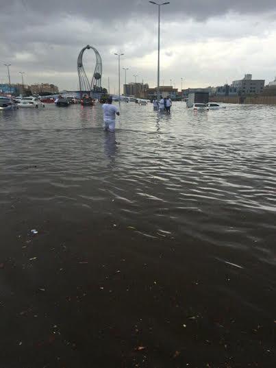 تصرف السعودين مع المطر1