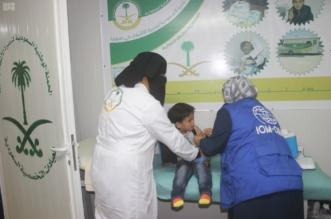 العيادات التخصصية تقدم التطعيمات لـ211 طفلاً سورياً بالزعتري - المواطن