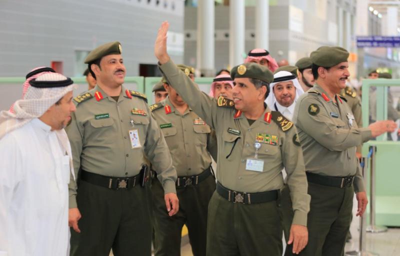 تعرف على توجيهات اليحيى للعاملين في صالات الحج بمطار الملك عبد العزيز
