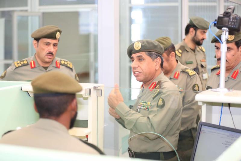 تعرف على توجيهات اليحيى للعاملين في صالات الحج بمطار الملك عبد العزيز 3