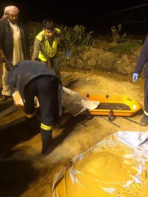 تفاصيل انتشال جثة طفل سوري من بئر بـ #وادي_الدواسر (2)