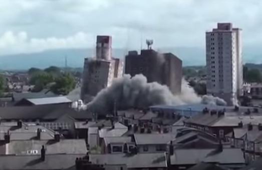 تفجير عمارات شاهقة وتدميرها في بلاكبول البريطانية