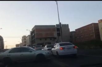 بالفيديو.. مُفحّطون يغلقون أحد شوارع أبها ويزعجون سكانه - المواطن