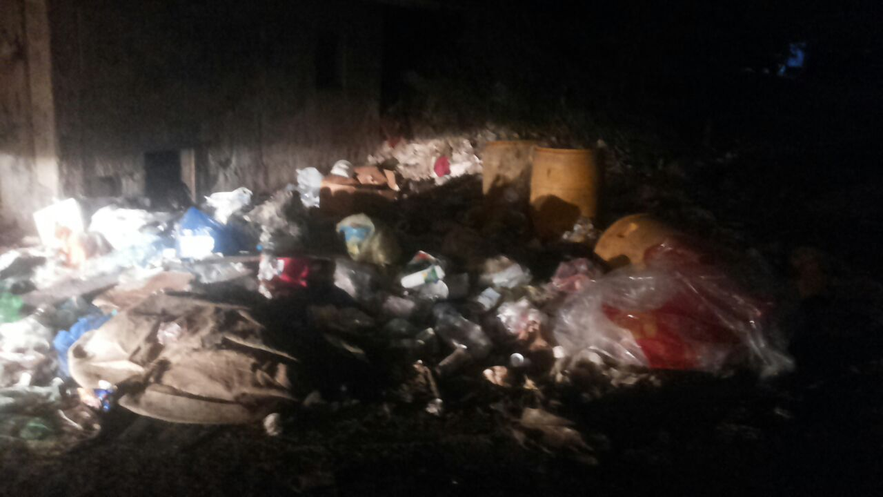 تكدس-النفايات-بمطار-جازان-واحياء-الجبل (6)