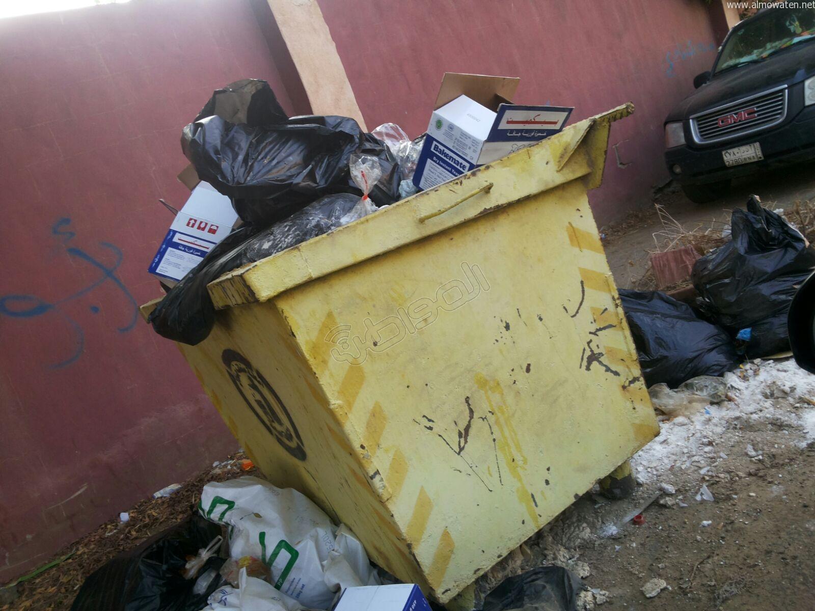 تكدس النفايات في كربوس #جازان منذ شهرين (2)