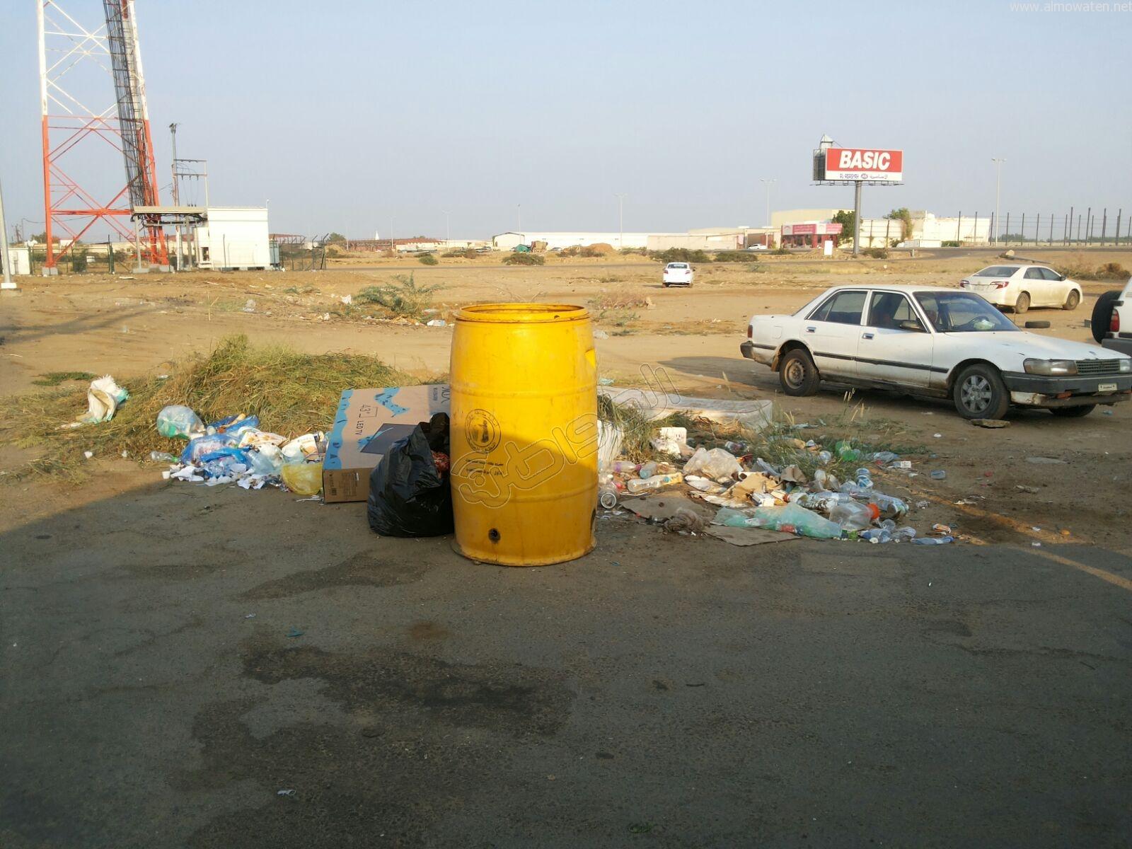 تكدس النفايات في كربوس #جازان منذ شهرين (3)