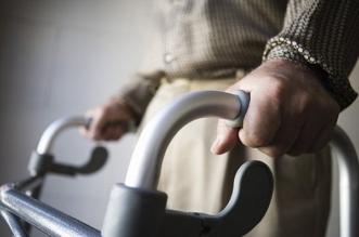تكنولوجيا تتوقع سقطات المسنين قبل ثلاثة اسابيع