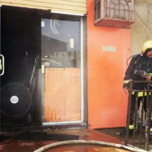 تماس كهربائي يتسبب بحريق محل تجاري في ضمد (127519215) 