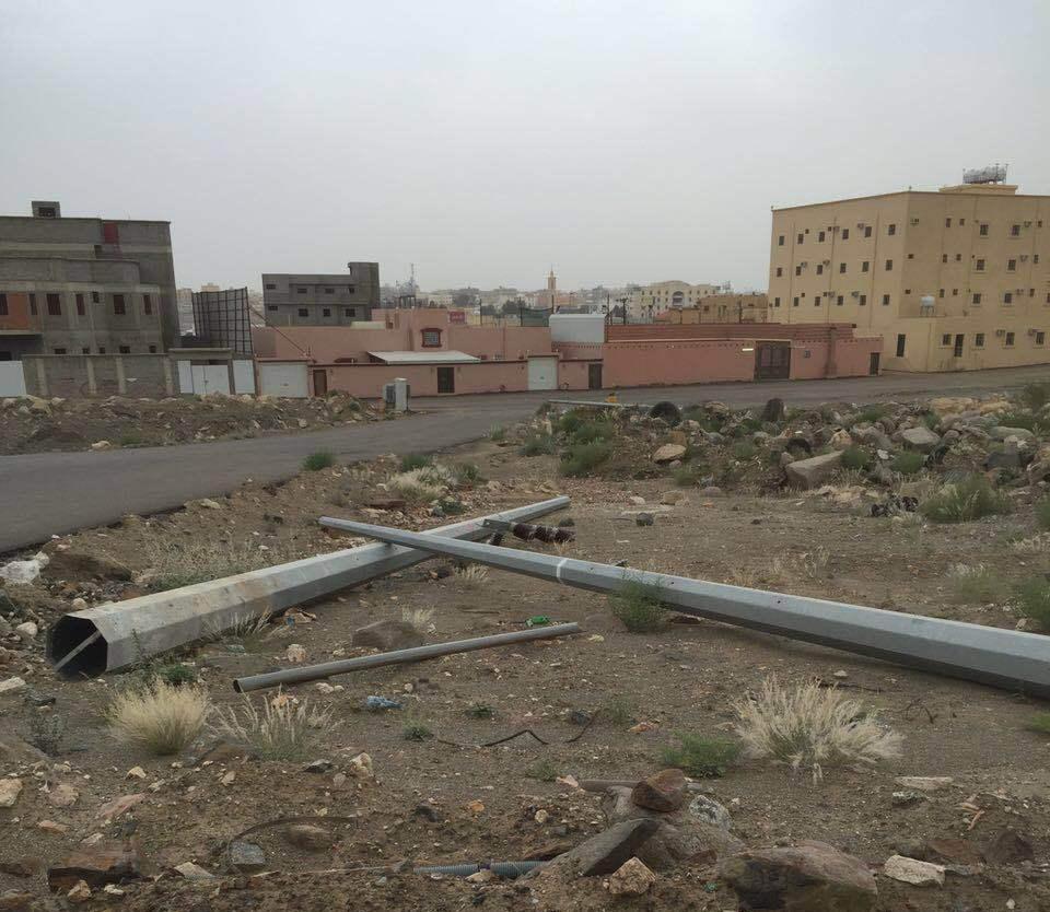 تمديدات كهربائية تواصل العبث بحي الحضاري بخميس مشيط (3)