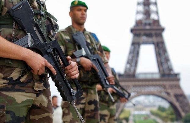 تمديد حالة الطوارئ في فرنسا حتى منتصف العام المقبل