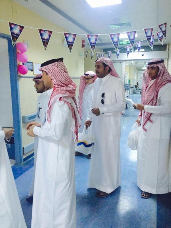 تنظم برنامج معايدة لمرضى مستشفى الملك فهد بجازان (380882798) 