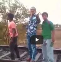 تهور شاب امام القطار