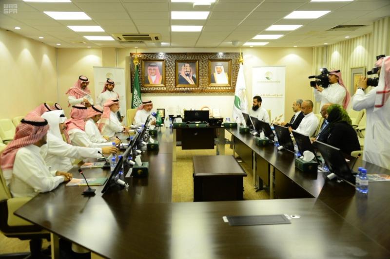 توقيع اتفاقية علاج اليمنيين في تعز وعدن