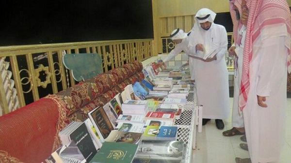 ثقافي فيفاء يوزع أكثر من 100 إصدار لأدبي جازان خلال أمسيته الثقافية -(1)-