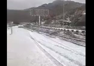 بالفيديو.. الثلوج تكسو ميسان جنوب الطائف باللون الأبيض - المواطن