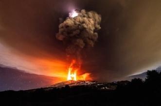 ثوران بركان  إتنا  جائحة طبيعية تتحول إلى مشهد في غاية الجمال
