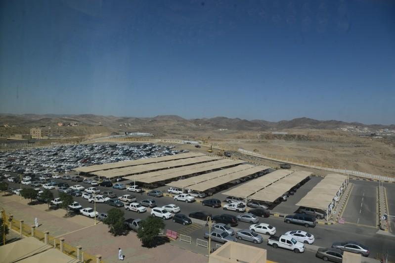 جامعة-الملك-خالد-توسعة-مواقف-السيارات (3)