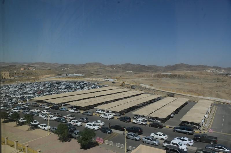 جامعة-الملك-خالد-توسعة-مواقف-السيارات