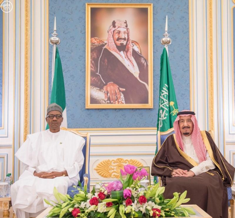 جانب من استقبال خادم الحرمين الشريفين لرئيس جمهورية #نيجيريا.4