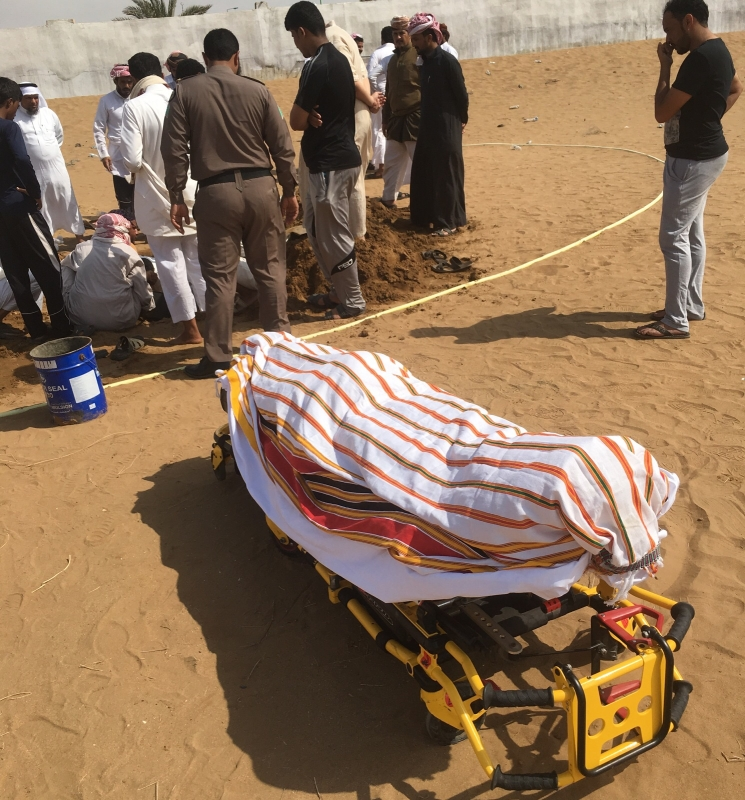 جثمان الشهيد النقيب ظافر منصور التركي 1
