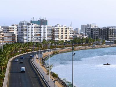 ضبط 9 شباب وفتيات في خلوة في شاليه بـ #جدة - المواطن