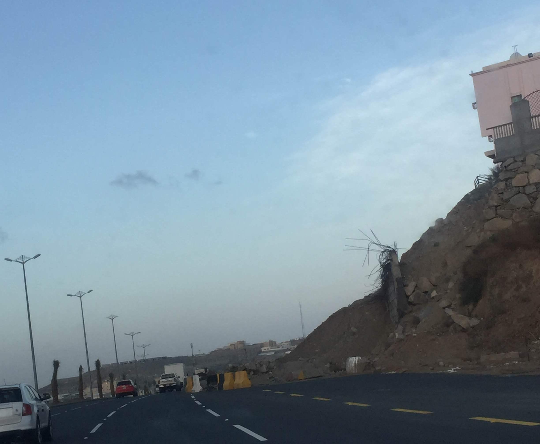 جسر منهار بطريق المئة بخميس مشيط (1)