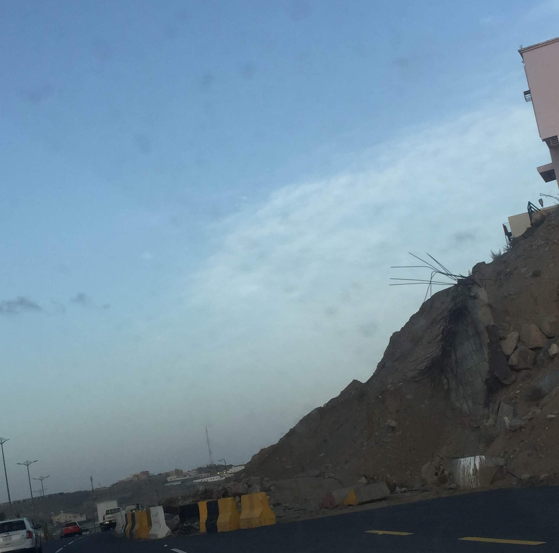 جسر منهار بطريق المئة بخميس مشيط (2)