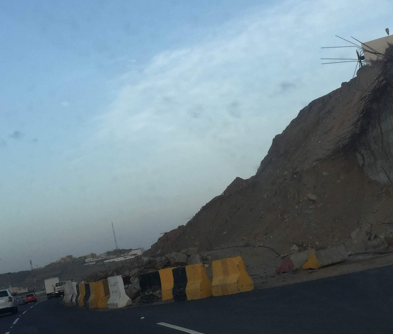 جسر منهار بطريق المئة بخميس مشيط (3)