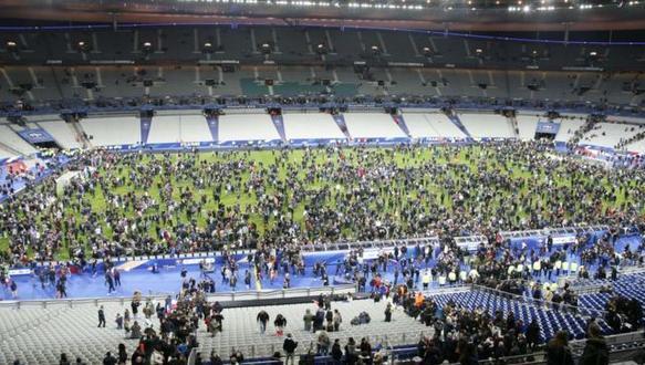 جماهير استاد فرنسا بباريس