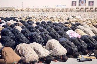 فيديو متداول.. جنود بقوات #رعد_الشمال يؤدون الصلاة بميدان التدريب - المواطن
